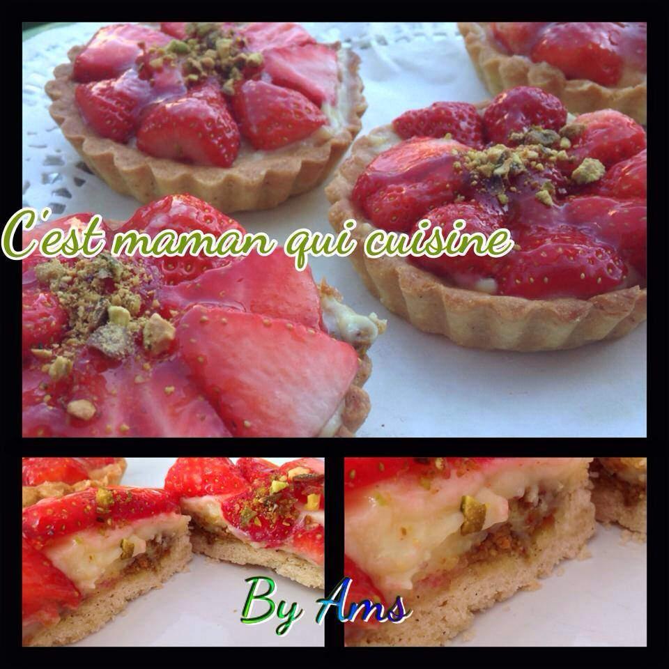 Tartelettes fraise sur lit de pâte à pistache