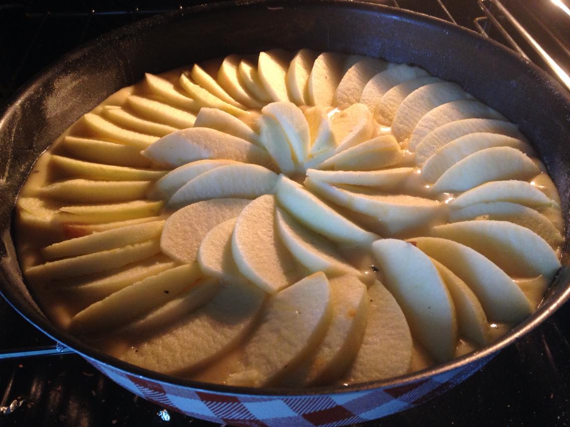 Gâteau au yaourt vanille léger et pommes