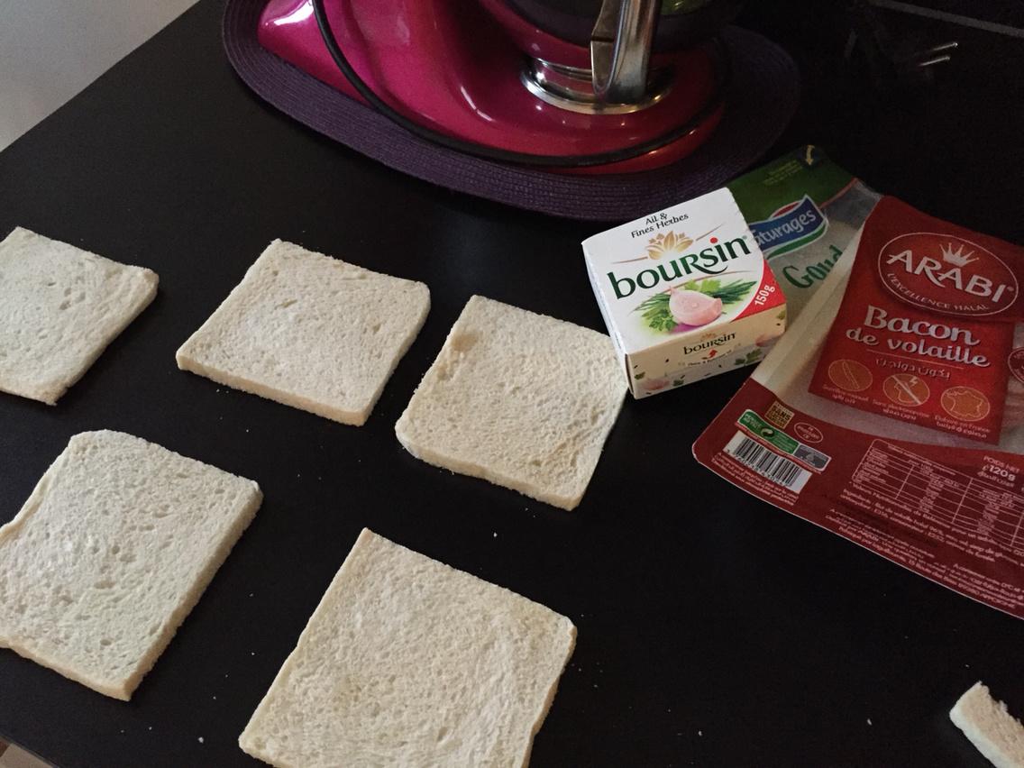 Roulé pain de mie pané cheese et salade piémontaise halal