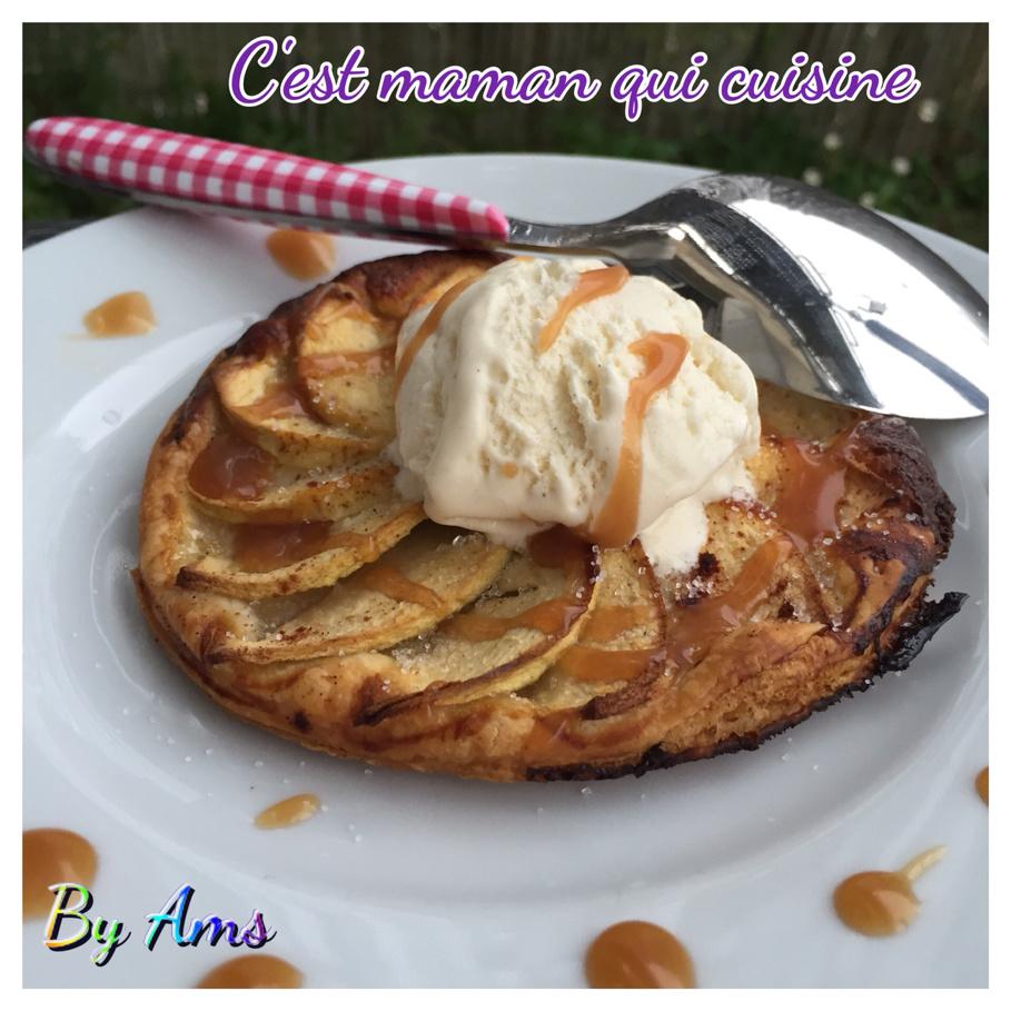 Tarte fine aux pommes caramel à la fleur de sel et glace vanille
