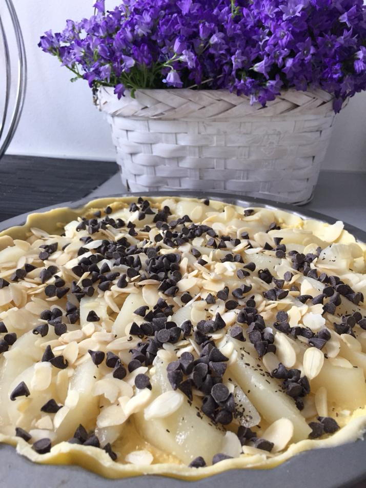 Tarte poires, amandes et pépites de chocolats