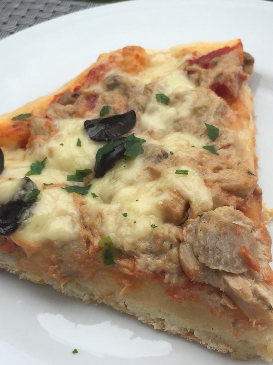 pizza creme de thon champignon a la p te magique amel d lices. Black Bedroom Furniture Sets. Home Design Ideas